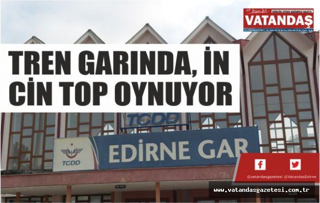 TREN GARINDA, İN  CİN TOP OYNUYOR