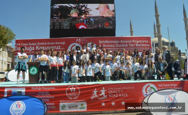 Turgut Kardeşler Şampiyon