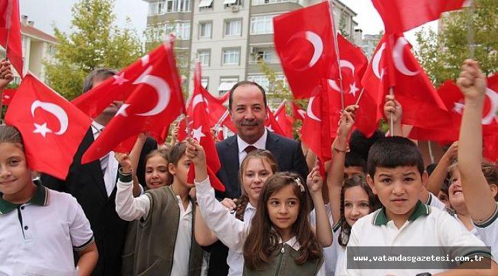 """BAŞKAN GÜRKAN: """"EĞİTİMİN ÜZERİNE GÜNEŞ, EDİRNE'DEN DOĞACAK"""""""