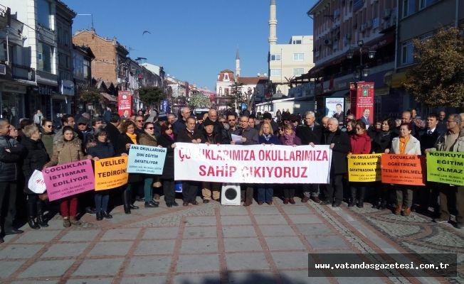 """""""DİNSELLEŞTİRME DAYATMASI KABUL EDİLEMEZ!"""""""