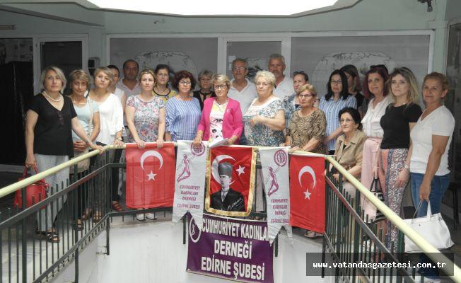 """""""LOZAN TÜRKİYE CUMHURİYETİ'NİN TAPUSUDUR"""""""