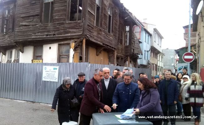 MAHALLELİDEN 'METRUK BİNA' TEPKİSİ