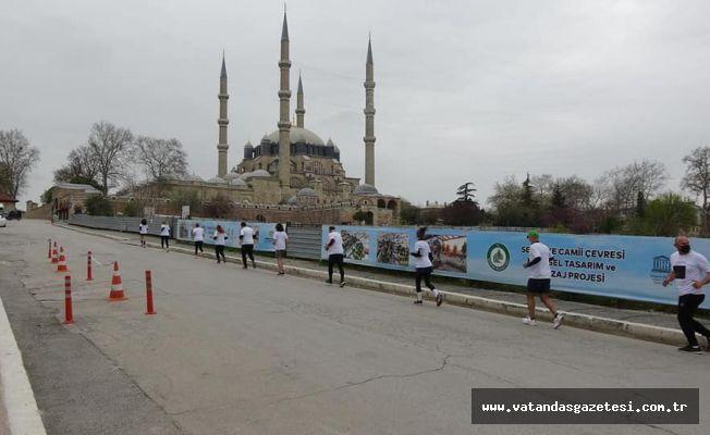 Selimiye çevresinde, anlamlı koşu