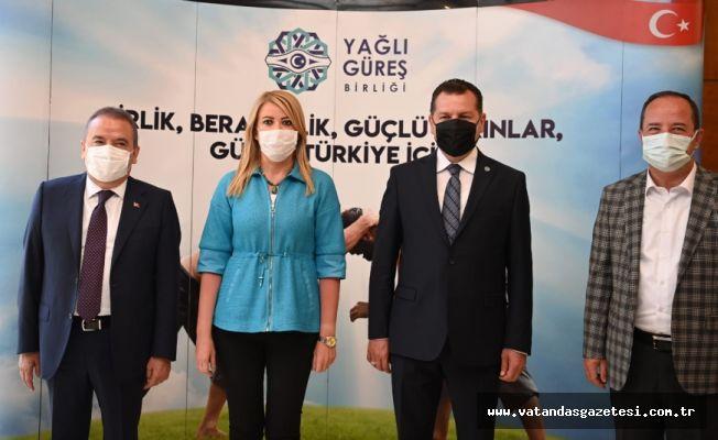 """""""SEYİRCİSİZ GÜREŞ OLMAZ"""""""