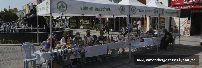 EL EMEĞİ ÜRÜNLER, SARAÇLAR CADDESİ'NDE